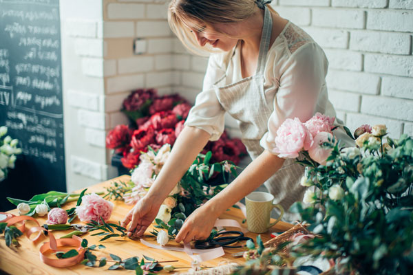 What Are the Advantages of Setting up Your Own Flower Delivery Shop?