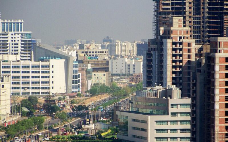5 Reasons to Invest in Gurgaon Real Estate